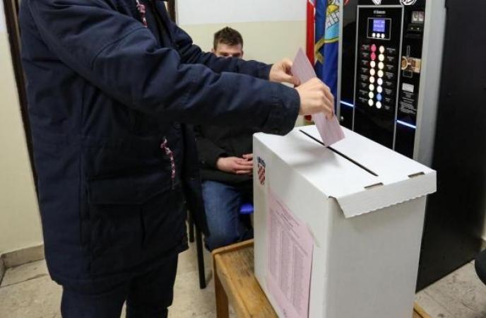 Do 16.30 sati na izbore izašlo 21,31 posto birača