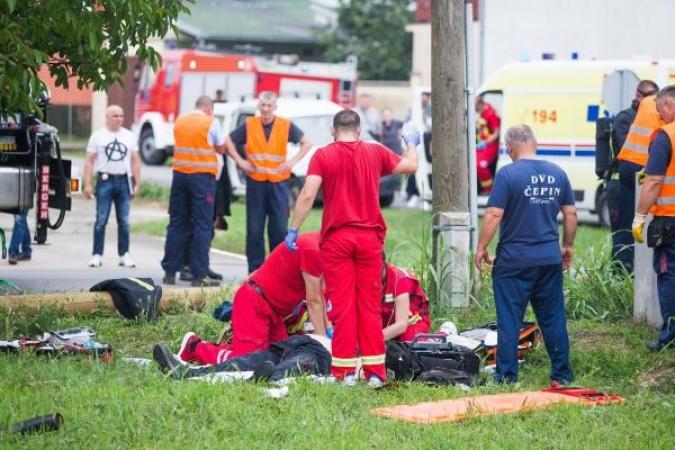 Dva radnika smrtno stradala u Čepinu, tri prevezena u bolnicu zbog ozlijeda