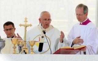 Papa Franjo: Neka prestane zvuk oružja u našim gradovima